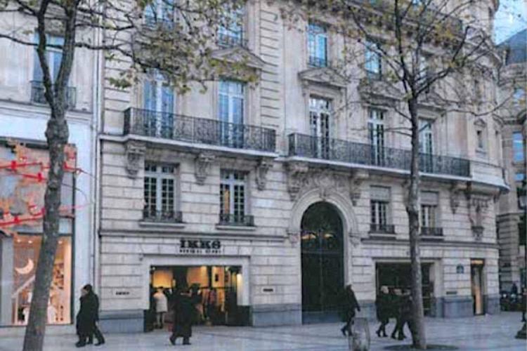 Apple Store des Champs-Élysées: des transformations «dommageables» pour la Commission du Vieux Paris