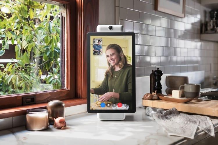 Avec Portal, Facebook veut installer une caméra à la maison