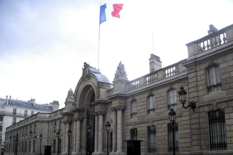 Emmanuel Macron encourage Tim Cook à réaliser des investissements «à haute valeur ajoutée» en France