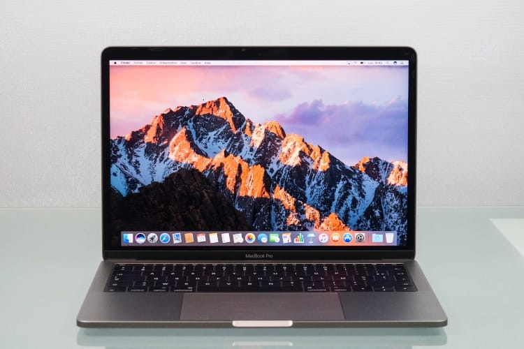 MacBook Pro 13'' sans Touch Bar 2017 : Apple lance un programme de réparation des SSD