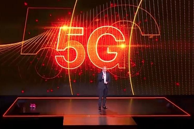 Show Hello: Orange annonce ses plans pour la maison connectée, Djingo et la 5G