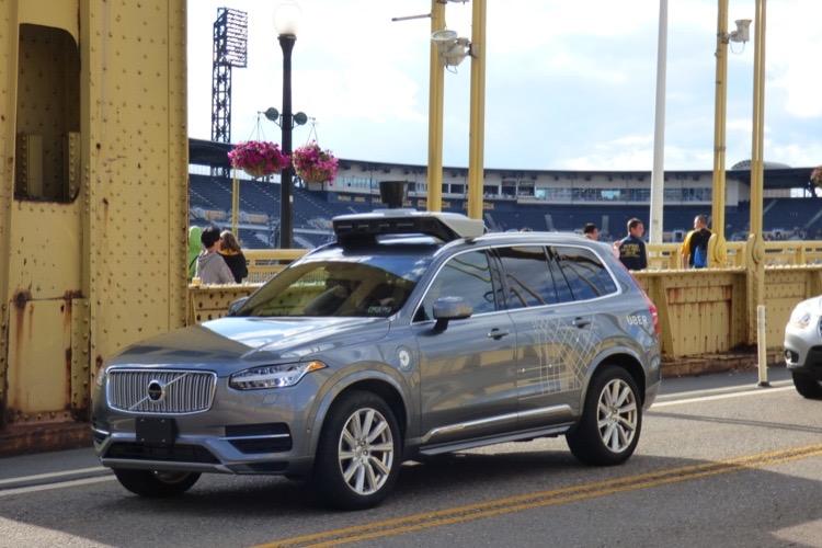 Uber ressort ses voitures autonomes, mais… sans conduite autonome 🤦♂️