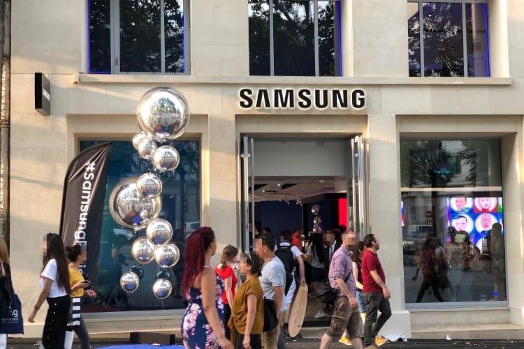 Samsung ouvre un showroom à deux pas du futur Apple Store des Champs-Élysées