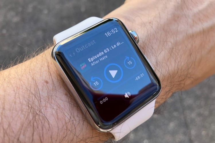 Outcast lit les podcasts en streaming sur l'Apple Watch