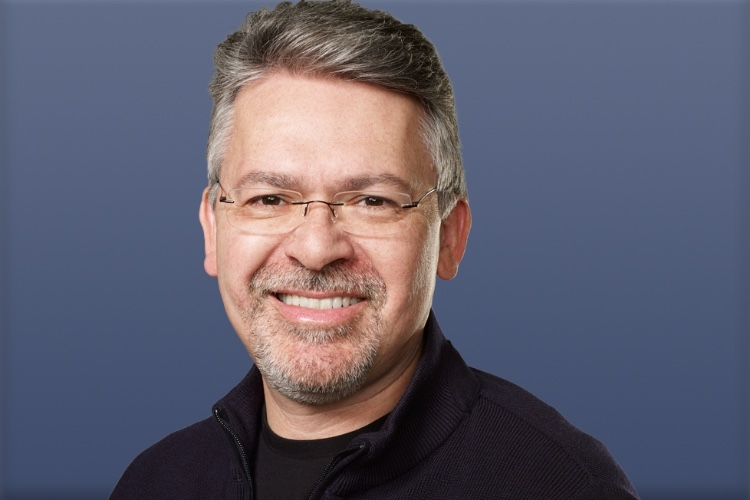 Le patron de l'IA chez Apple supervise aussi le développement de Siri