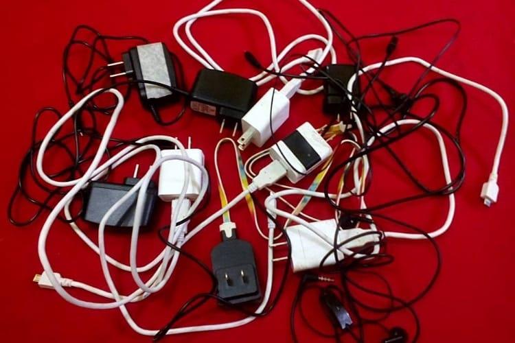Ports de recharge incompatibles : la Commission européenne gronde
