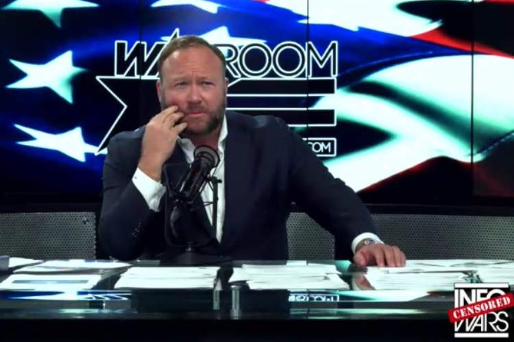Infowars : Apple retire l'app d'Alex Jones de l'App Store