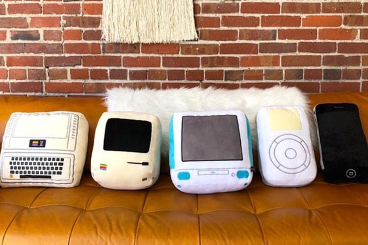 Des coussins en forme de Mac, d'iPod et d'iPhone pour les fans d'Apple