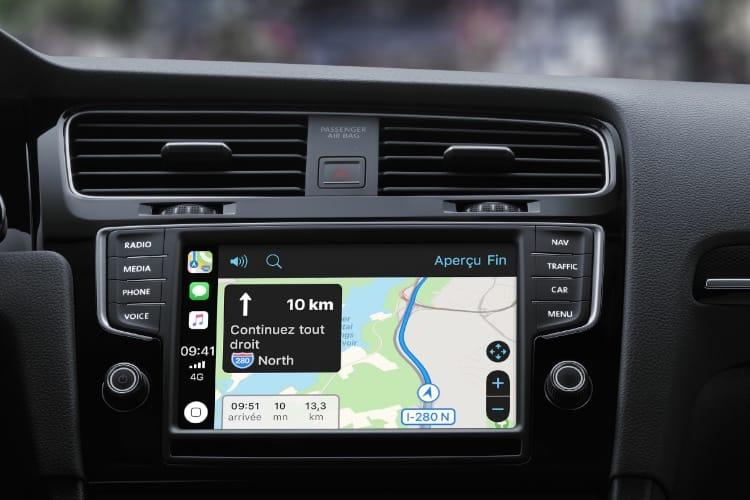 CarPlay est devant Android Auto, mais Google Maps reste le copilote de prédilection
