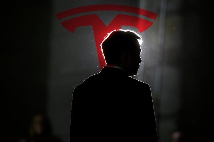 Tesla change son organigramme pour rassurer les marchés financiers
