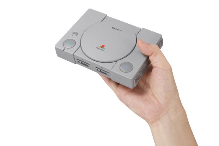 Une PlayStation Classic avec 20 jeux le 3 décembre à 99€