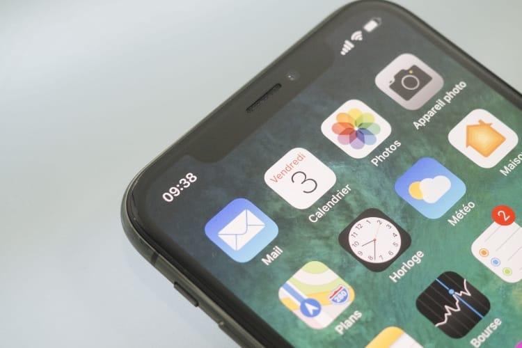 Le reflet de l'appareil photo pourrait disparaitre de l'encoche de l'iPhone
